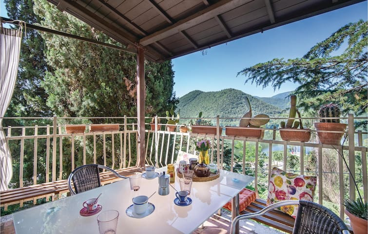 Terraced house with 2 bedrooms on 67m² in Piediluco