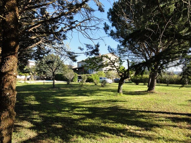 Gîte La Jaujon, piscine et jardin privés pour 10p!