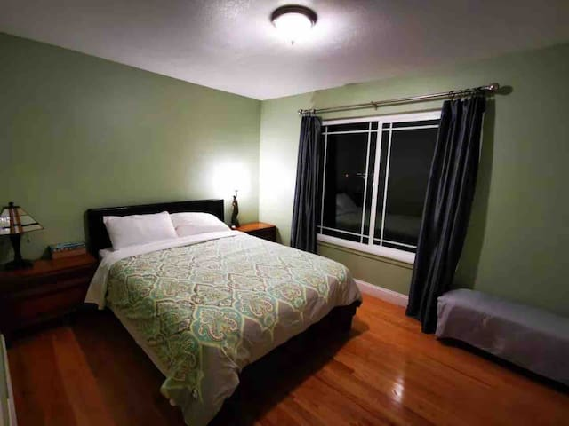 Bright room in So. S.F. near airport. Great views.