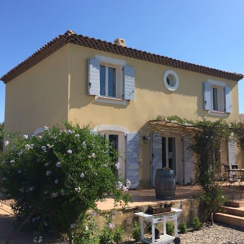 Belle villa de standing + piscine - Saint-André-de-Sangonis - Villa