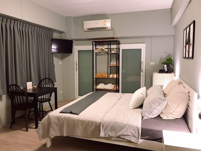 Standard Corner Room 519 @Penyos Service Apartment