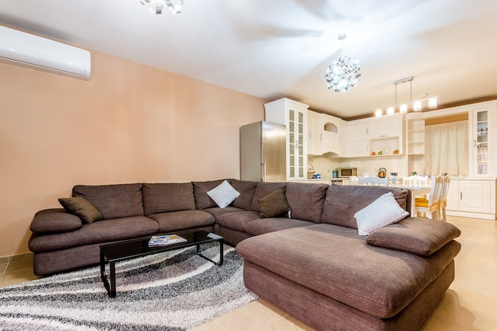 Luxury 3 bedroom massive apartment