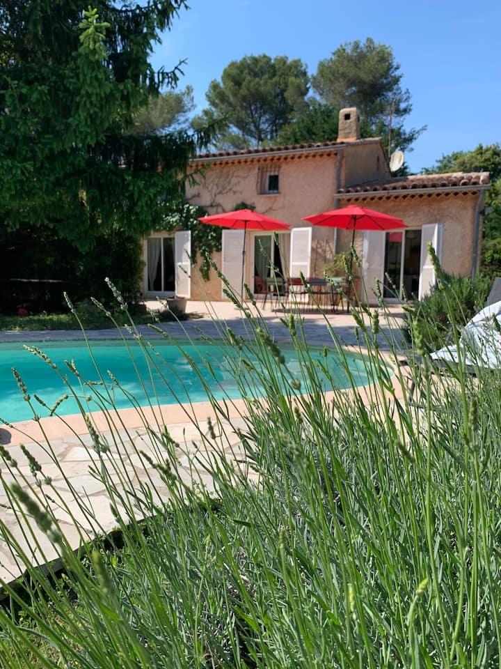 Jolie villa avec piscine  / La bergerie Mougins