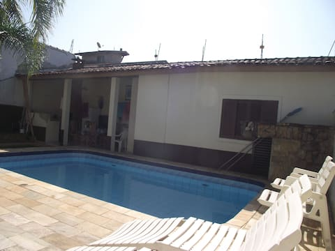 Edícula with swimming pool in Itanhaém