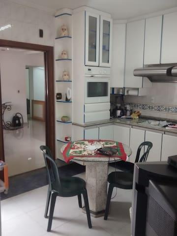 Casa espaçosa alugando quartos em São Bernardo - São Bernardo do Campo - Haus