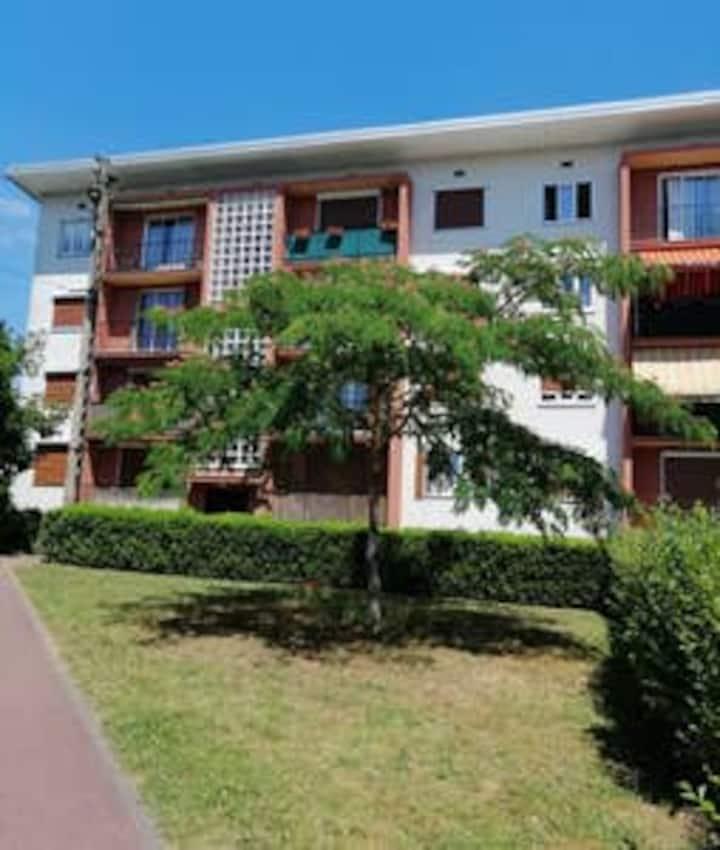 Charmant appartement calme*balcon*5 min RER/TGV
