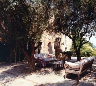 Casa de piedra en corazón empordá - Castell d'Empordà