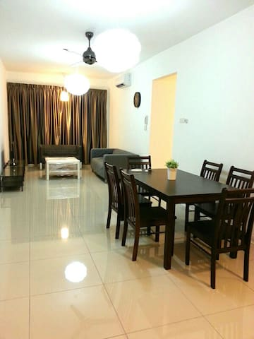 3 Minutes Walk to LRT Station, near to Mid Valley
