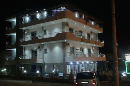HOTEL ILIO KSAMIL SARANDE - Ksamil