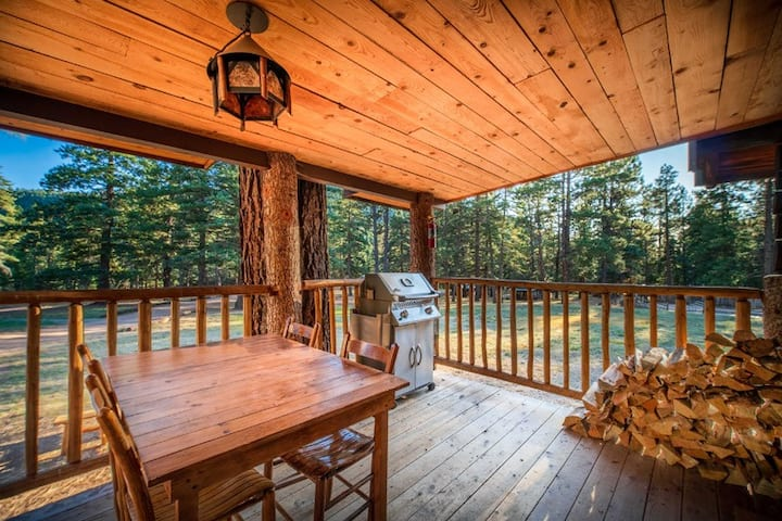 Corkins Lodge - Ponderosa Cabin