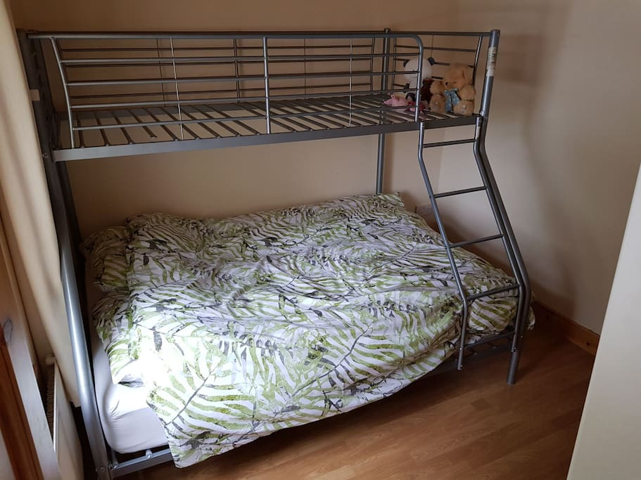 or bunk bed room to sleep up to 3