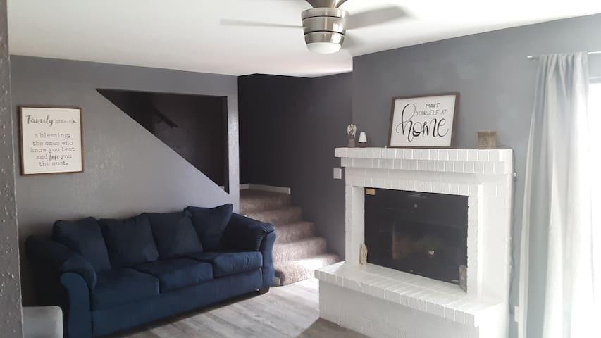 Khalia's Suites in the ❤ of El Paso w/ garage!