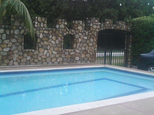 Casa en melgar con piscina privada