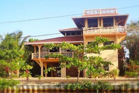 Silver Leaf Villa