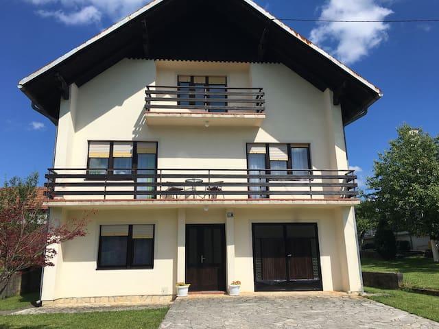 Kuća za odmor kraj jezera Filip - Ogulin  - House