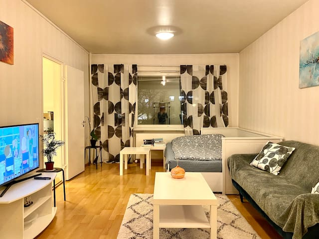 A modern and private room in the city centre!