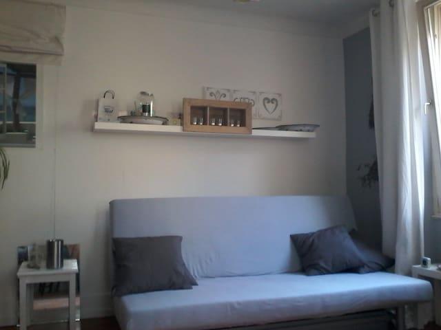 schönes ruhiges Einzimmer-Apartment