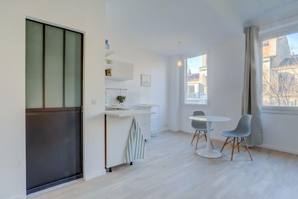 Nice studio au c ur de marseille appartements louer for Appartement design friche gare st charles vieux port
