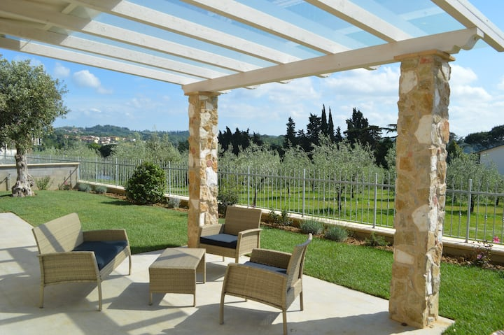 Gli Olivi Holiday Home, in the heart of Tuscany
