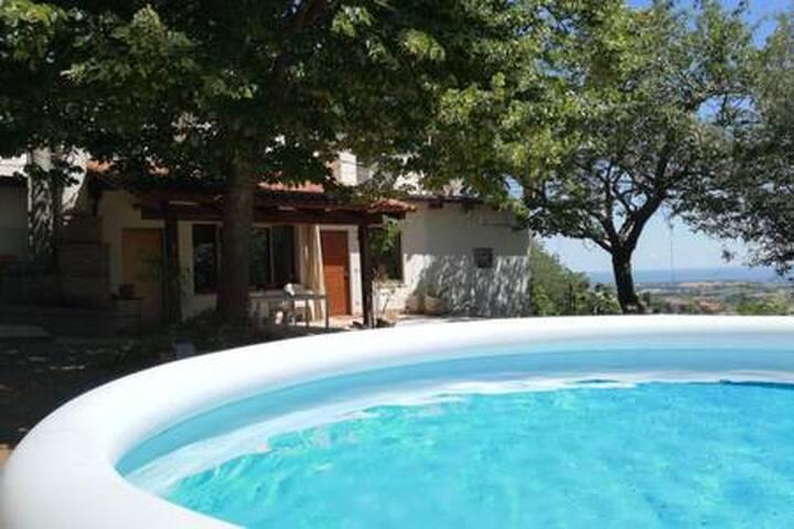 appartamento in villa con piscina colline Misano