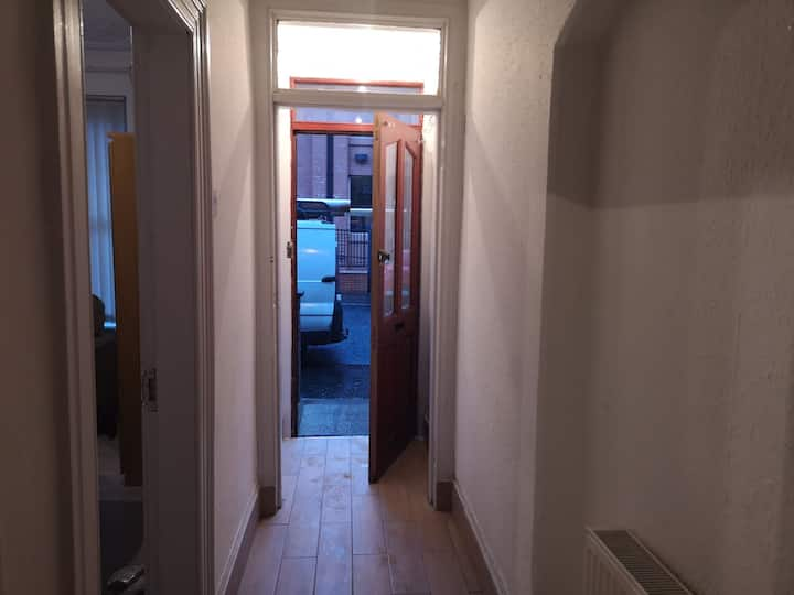A clean spacious double room in a shared house (2)