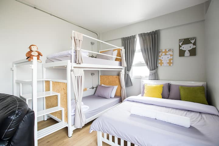Private one bunk bed and Double bed for 4 peoples