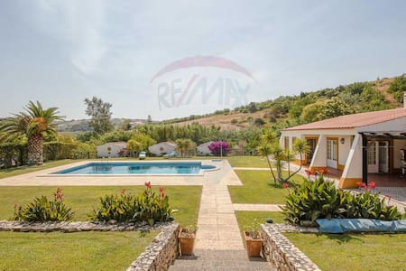 LUXURY PROPERTY - 30 MINUTES OF LISBON - Şehir evi