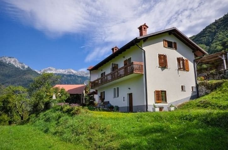 Appartment in Triglav National Park (Tolmin) - Zadlaz-Žabče - Apartamento