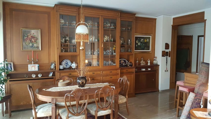Luxury Appartment 130 m2 - Cholargos