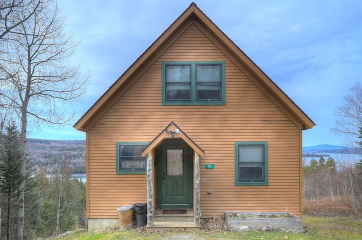 Eagles Ledge - Cozy cabin with incredible views and access to Rangeley Lake!