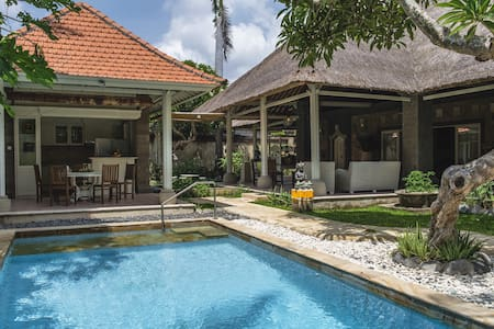 Paradise Villa  Retreat - South Denpasar - Villa