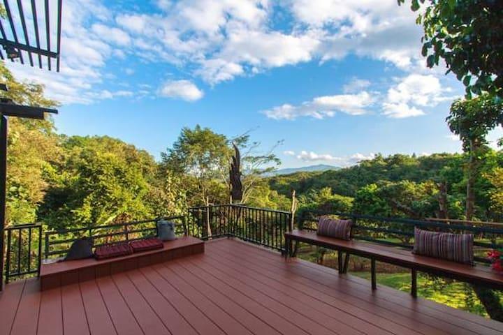 Doi Isara: Garden Villa - 3 bedrooms - Chiang Rai - Casa de campo