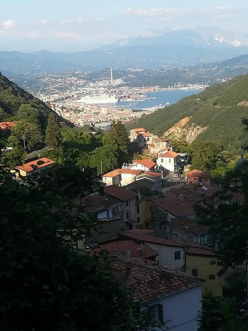 Biassa vista paesaggio e golfo La Spezia