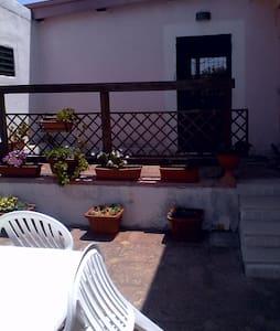Casa vacanze blu mare verde natura - Villa