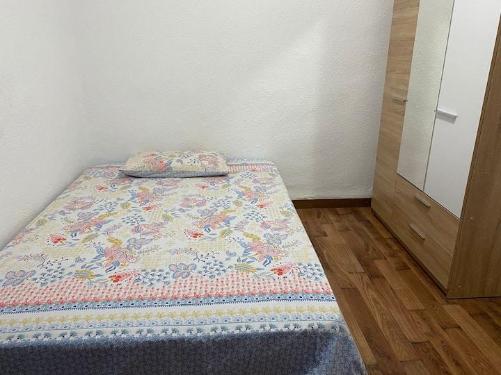 Habitación tranquila y muy bien ubicada