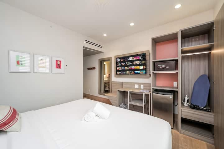 At Mine | Double Suite with Free Parking