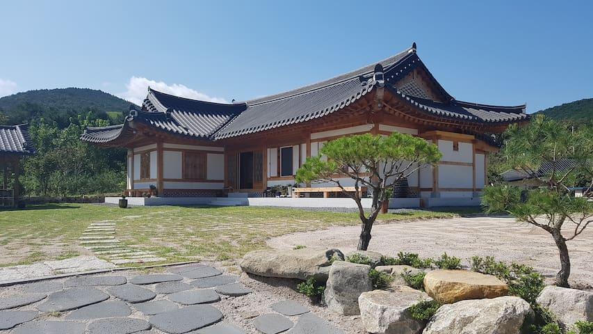 경주 전통 한옥펜션 서악관/ 경주시외버스터미널 근처