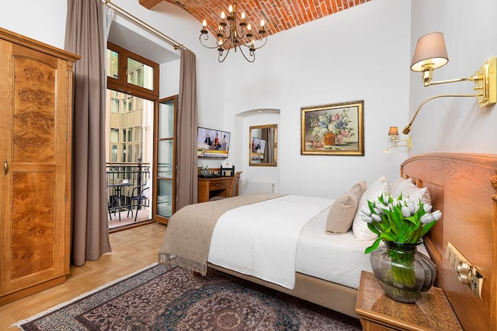 Sunny Suite with Balcony in the heart of Cracow