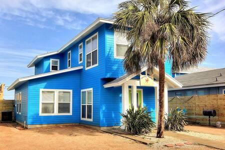 Dancing Starfish Cottage w/pool Port Aransas, TX