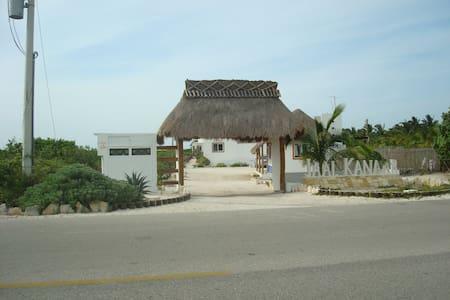 Preciosa villa en la bella costa de Telchac, Yuc. - Villa