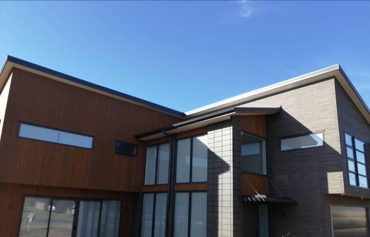 科莫欧式现代别墅 Komo Luxury House3