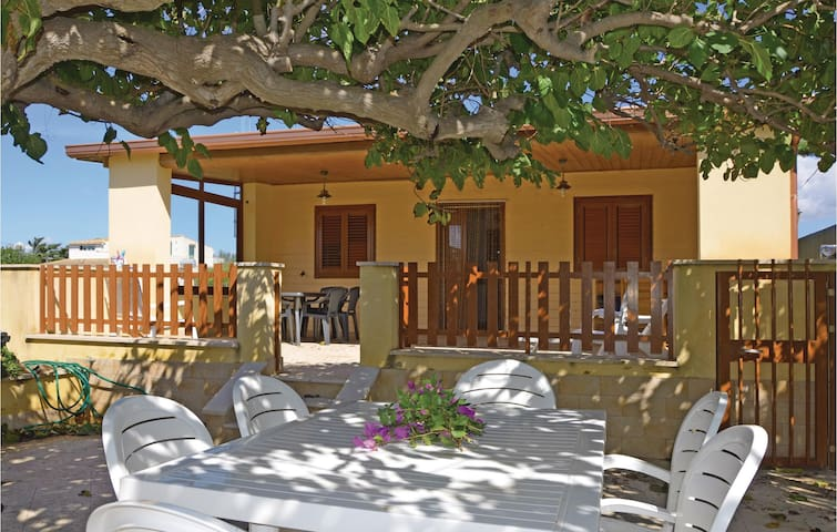 Holiday cottage with 3 bedrooms on 80m² in Scicli (RG)