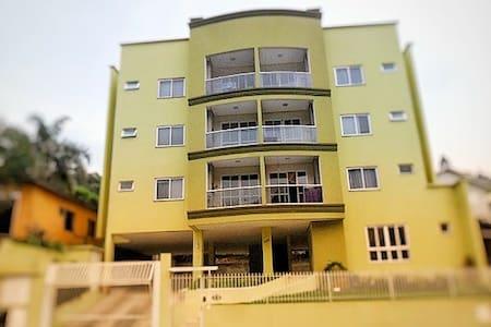 Excelente Apartamento Amplo e Completo