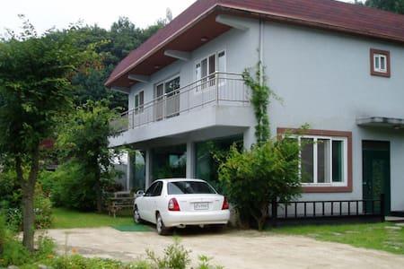 크린에어그린 숲 - Dokgok-dong, Pyeongtaek - Hus