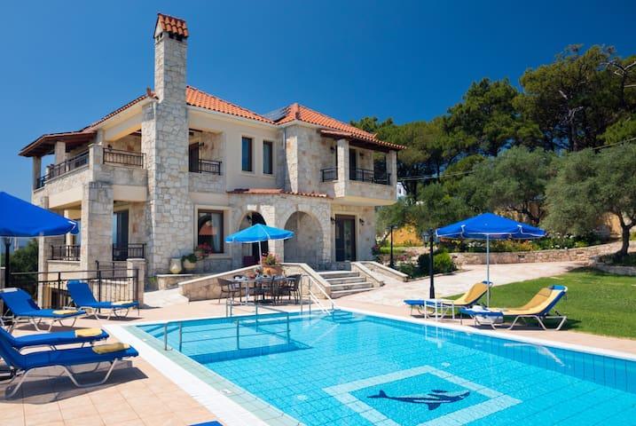 Ferienvilla Hermes mit privatem Pool und Aussicht
