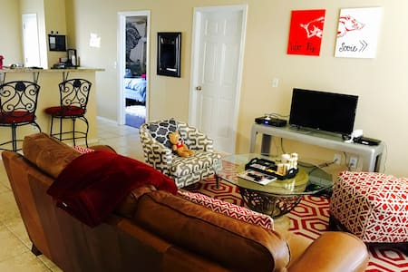 Full Home in Fayetteville 10 MINS FROM  CAMPUS - Fayetteville - Haus