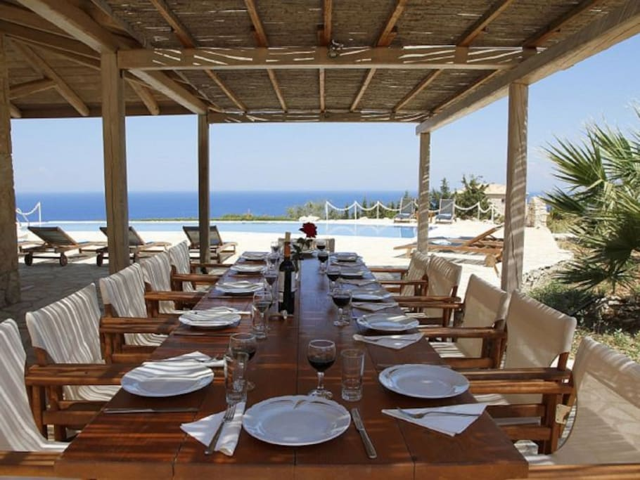 Dining Al-Fresco with Amazing Sea Views