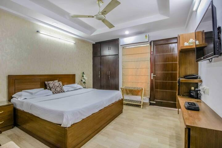 Homely Delhi Service Apartment #NDRAN001