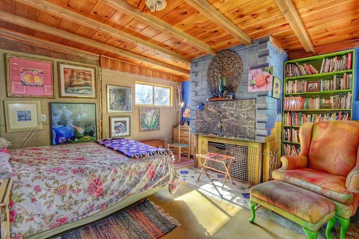 Second bedroom ©2o17 Hannah Smith
