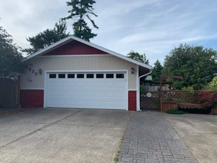 Cozy beds, personal  garage gym, central location.